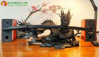 Bokken Kenjutsu là một thanh kiếm gỗ thay thế gần giống với katana nhất