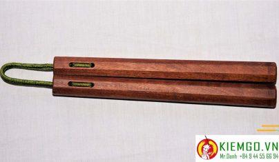 con-nhi-khuc-cam-xe côn nhị khúc gỗ căm xe được làm từ gỗ căm xe việt nam chất lượng, gia công chuẩn sắc nét đều các mặt và góc cạnh, côn khá bền, xỏ dây dù xịn chất lượng dẻo dai linh hoạt