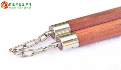con-nhi-khuc-go-cam-lai-bat-giac-boc-inox là một lựa chọn thực sự thích hợp cho anh em thích kiểu côn vừa hiện đại pha lẫn truyền thống, gỗ cẩm lai loại 1 xuất sắc, được gia công tinh tế chuẩn sắc nét, dây xích khớp xoay linh hoạt mượt mà và chắn chắn