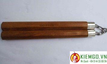 con-nhi-khuc-go-cam-xe-8-canh-boc-inox-tron là loại côn chất lượng giá bình dân, gỗ căm xe cứng chắc, thớ mịn, gia công chuẩn sắc nét