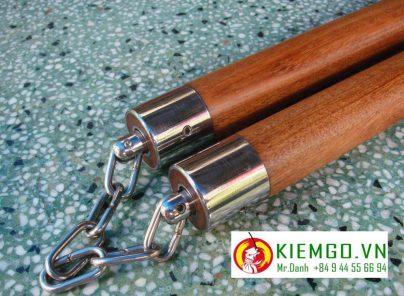 con-nhi-khuc-go-cam-xe-boc-inox-tron là một lựa chọn tuyệt vời, côn gỗ chắt lượng giá bình dân, gỗ chắc, bền, va chạm tốt