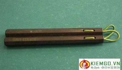 Côn nhị khúc gỗ mun sừng dây dù là dòng côn gỗ quý cao cấp phù hợp cho anh em đam mê sưu tầm côn nhị khúc