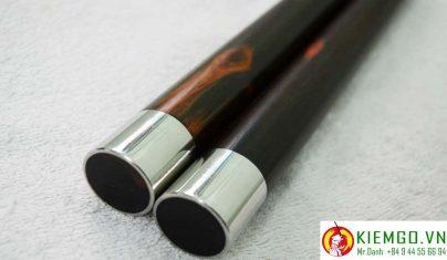 con-nhi-khuc-go-trac-boc-inox là côn nhị khúc gỗ quý siêu quý hiếm và giá trị, côn được chế tác chuẩn và tinh tế