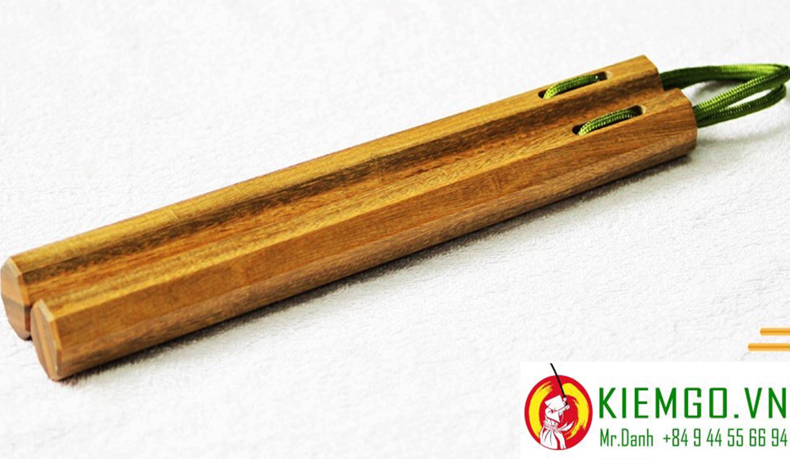 con-nhi-khuc-go-trac-xanh   côn nhị khúc gỗ trắc xanh   côn nhị khúc gỗ trắc xanh bát giác dây dù   côn nhị khúc gỗ trắc xanh 8 cạnh dây dù