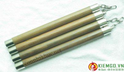 con-nhi-khuc-go-trac-xanh-boc-inox là côn gỗ quý do Bokken Shop chế tác tinh tế và sắc nét, chỉnh chu từng chút một, côn gỗ trắc xanh siêu bền, màu sắc và vân gỗ khá đẹp, gỗ có mùi thơm đặc biệt